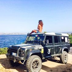 One good thing about the Defender. The roof makes a great viewing (or sitting) platform.