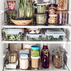 Uploaded by Polina. Find images and videos about vegan, fridge and plant based on We Heart It - the app to get lost in what you love. Kitchen Organisation, Fridge Organization, Organization Hacks, Kitchen Storage, Kitchen Decor, Diy Kitchen, Kitchen Hacks, Healthy Fridge, Healthy Eating