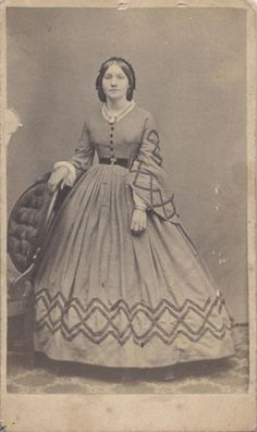 CIVIL WAR ERA CDV PORTRAIT OF YOUNG WOMAN BY G.H. LOOMIS - BOSTON, MASS in Collectibles, Photographic Images, Vintage & Antique (Pre-1940) | eBay