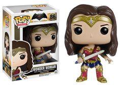 Wonder Woman była amazońską księżniczką żyjącą na wyspie Themyscira. Pewnego dnia postanawiła opuścić rodzinną wyspę i wyruszyć w podróż do cywilizacji.