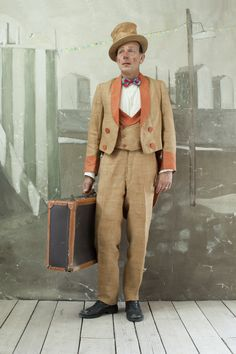 Paolo Ventura, a multidisciplinary italian artist who uses photography to document a fictional reality of his own creation like in the Man with the Suitcase Valladolid, Photography Series, Italian Artist, Photo Series, The New Yorker, Costume Design, Short Stories, Les Oeuvres, Photo Booth