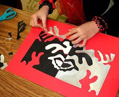 Matisse Inspired Collages cut out black and white paper at same time revese design and glue down complimentary colors? Henri Matisse, Matisse Kunst, Matisse Art, Negative Space Art, 6th Grade Art, Art Curriculum, Shape Art, School Art Projects, Art Lessons Elementary