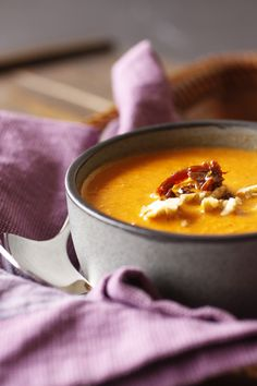 Geroosterde tomaten en walnoot soep - Roasted Tomato and Walnut Soup #recept
