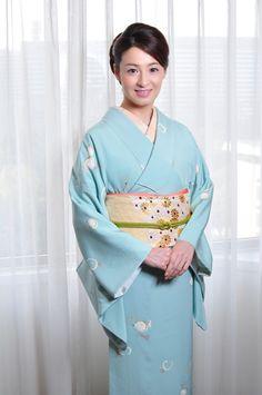 Beautiful Japanese Girl, Japanese Beauty, Japanese Lady, Yukata Kimono, Japanese Costume, Vogue, Costumes For Women, Traditional Outfits, Actresses