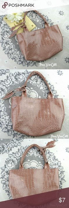 Leaf Season Fall Tones Gator Print Bag! <3 No brand info found in bag. It was a gift and I've never used it, I like larger bag that hold an entire weekend wardrobe.... Lol. Seems to be all man-made materials.  . BUNDLE & SAVE! . Happy POSHing friends! <3 Bags