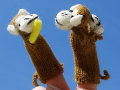 monkey finger puppets- with a baby and with a banana-for the monkey in your life.....