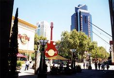 NINIVESKAL: USA - California Zlatá horečka Hollywood Silicon V... Sierra Nevada, Statues, San Francisco, Fair Grounds, Hollywood, California, Fun, Travel, Viajes