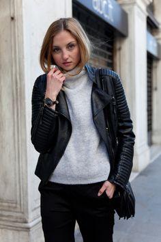 The blogger FashionMugging wearing Olivia Burton watch available at www.mulierstore.com  #watch #oliviaburton #vintage #watches #gold #goldwatch #vintagewatches #zegarek #oliviaburtonwatches #armswag #armcandy #reloj #zegarki