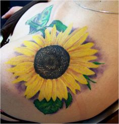 So pretty, i wish my skin tone would except yellow better.. i want sunflowers all over my side <3