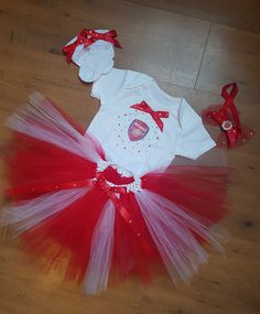 Now available on our store: Arsenal Football .... Check it out here! http://www.cutsiebobbs.co.uk/products/arsenal-football-tutu-set?utm_campaign=social_autopilot&utm_source=pin&utm_medium=pin #cutsiebobbs #childrensclothing #kids
