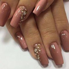 Merveilleux couleur de vernis à ongles tendance 2018 - Rhinestone Nails, Bling Nails, Red Nails, Hair And Nails, White Nails, Glitter Nails, Rhinestone Nail Designs, Jewel Nails, Purple Nail