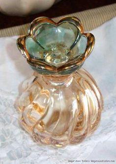 Antique emerald and gold perfume bottle. #antique #vintage #perfume #scent #bottle