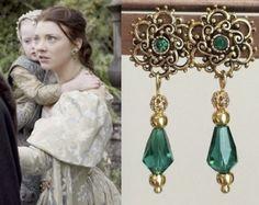 Anne Boleyn Emerald Teardrop