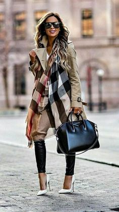 Street Style Looks to Copy Now – FROM LUXE WITH LOVE Givenchy Antigona Bag street style outfit / Designer work bag / street style fashion / work tote bag Mode Outfits, Fashion Outfits, Womens Fashion, Fashion Trends, Fashion Boots, Trendy Outfits, Edgy Work Outfits, Outfit Work, Black Outfits