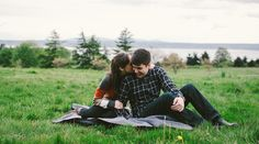 This shot is so cozy and charming. // JordanQuinn Photography