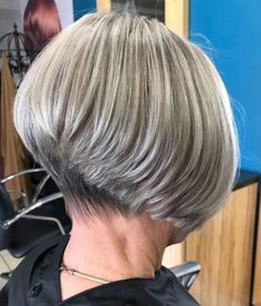 Gray Blonde Stacked Bob Add stacked layers to your short gray hair to gain extra body and volume if you are missing that with your current look. Medium Thin Hair, Short Thin Hair, Very Short Hair, Short Hair Cuts For Women, Mens Hairstyles Thin Hair, Oval Face Hairstyles, Short Bob Hairstyles, Scene Hairstyles, Hairstyle Men