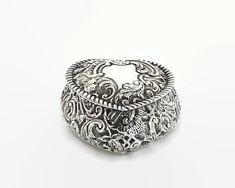 Antique sterling silver heart shaped trinket box with elaborate repousse pattern, British sterling, 1899 by CardCurios on Etsy Silver Teapot, Gold Wash, Sterling Silver Flowers, Carat Gold, Trinket Boxes, Swirls, Heart Shapes, Rings For Men, British