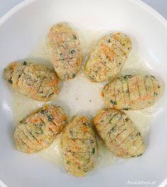 Kotlety z cukinii, 6 Fresh Rolls, Zucchini, Menu, Ethnic Recipes, Food, Kitchen, Crafts, Diet, Menu Board Design