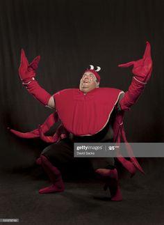 ストックフォト : Man in lobster suit portrait Stock Pictures, Funny Pictures, Stock Photos, Hand Drawing Reference, Live Action Movie, New Memes, Cursed Images, One Punch Man, Mood Pics