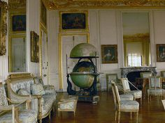 The Dauphine Room by JuanJ Palace Of Versailles, Where The Heart Is, Marie Antoinette, 18th Century, Cool Photos, Castle, Descendants, Palaces, Beautiful Things