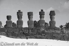 Anakena Beach - Moai Statues on Rapanui Island