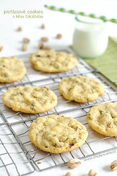 cookies s pistáciemi a bílou čokoládou