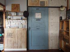 買えば激高!作れば激安!? 襖をアンティーク風ドアに作り変えちゃいました | Sumai 日刊住まい Diy Store, Diy Garage, English Style, Door Design, Vintage Furniture, Locker Storage, Home Goods, Diy And Crafts, Sweet Home