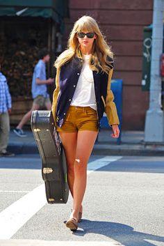 Taylor Swift: cómo combinar zapatillas Keds
