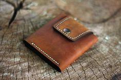 Кошельки Портмоне Клатчи Чехлы – 164 фотографии | ВКонтакте Leather Card Wallet, Coin Wallet, Leather Case, Leather Purses, Small Case, Small Wallet, Custom Leather Wallets, Leather Kits, Ipad