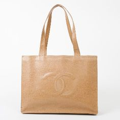 I really like this tote.