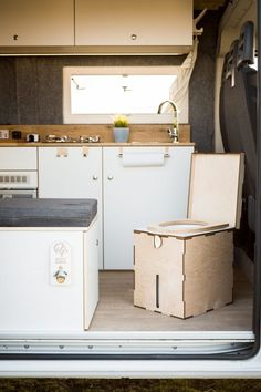 Vanlife Concept Camper injects the Ducato with style and purpose Vw Transporter Van, Shower Plumbing, Pvc Flooring, Mobile Living, Vw Crafter, Wall Trim, Folding Beds, Portable Toilet, Adjustable Table