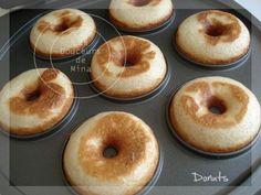 Donuts Ingrédients - 6 cas de sucre de canne - 1 pincée de muscade - 1 pincée de cannelle - 175g de farine - 1 sachet de levure chimique - 8 cas d'huile de colza - 8 cas de yaourt brassé à la vanille (ou 2 pots)