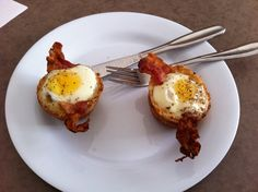 Toast outside egg and bacon inside Bacon, Toast, Eggs, Cooking, Breakfast, Food, Kitchen, Morning Coffee, Essen