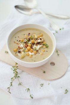 hearty roasted cauliflower & chickpea soup