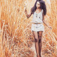 www.libredesign.com.br A muscle tee é a preferida entre meninos e meninas. Sem distinção de sexo, ela segue a tendência genderless, unissex, livre pra escolher.  Temos várias estampas. Passa lá www.libredesign.com.BR Fotografia @ricardozanetta  #consumoconsciente #negociosocial #muscletee #genderless #unisex #regatão #libresocialdesign