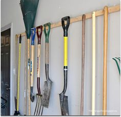 The easiest, cheapest and BEST way to store your garden tools - and you probably won't have to buy a thing. storing garden tools, garden tool storage, organizing your garden tools, garden tool rack Storing Garden Tools, Best Garden Tools, Garden Tool Shed, Gardening Tools, Organic Gardening, Fence Garden, Gardening Quotes, Garage Tool Organization, Garage Tool Storage