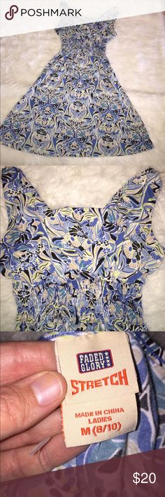 Blue Floral Summer Strechy Dress Blue Floral Summer Strechy Dress. Very Strechy and very comfortable. Never worn but tags are missing. Faded Glory Dresses