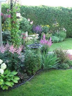 Garden Ideas To Make, Diy Garden, Garden Cottage, Shade Garden, Potager Garden, Fence Garden, Garden Sofa, Garden Tips, Garden Paths