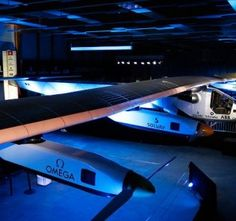 Solar Impulse 2 -- Starting in March the intention is to fly this plane around the world using only the power of the sun. Aviation Technology, Science And Technology, Fly Around The World, Around The Worlds, Electrical Energy, Can Run, Arduino, Solar Power, Aircraft