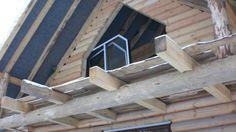 drewniany dom- wkrótce będzie miał okna
