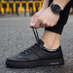 33aeabe615ee Chef Shoes Men s Non-slip Waterproof And Oil-proof Kitchen Special Work  Shoes.
