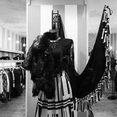 #lenostrevetrine #blackandwhite ##tagstagram  # instafashion #photooftheday#tag #instamood # instanew #photooftheday #instagood #fashion #fashiostyle#pants #shoes #moda #taranto #italy #bestoftheday #jeans #jacket #tshirt #model #instacool #streetwear #outfitoftheday #menswear #womenswear #suite 54