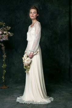 Vintage Inspired Wedding Dress | fabmood.com #vintagegown