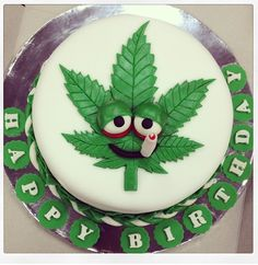 #GetHiGhGetBuZZzz/ #iseecake #BirthdayCake Birthday Cake For Him, Funny Birthday Cakes, Rasta Cake, Cake For Boyfriend, Bithday Cake, Weed Recipes, Cakes Plus, Cakes For Boys, Fondant Cakes