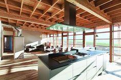 Hlavným stavebným materiálom sa stalo odolné drevo horského modrínu. #ASB #wood #house