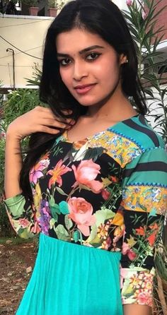 Tamil Actress Photos, Tamil Movies, Beautiful Saree, India Beauty, Still Image, Beauty Women, Desi, Bollywood, Actresses