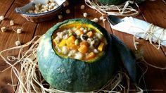 La zuppa è un comfort food che non può mancare sulle nostre tavole in queste fresche serate, provate questa zuppa ai #legumi con #orzo e #verza nella #zucca. http://blog.giallozafferano.it/cucinareconamoreetradizi/zuppa-ai-legumi-con-orzo-e-verza-nella-zucca/ #food #foodblogs #gialloblogs #cucinareconamoreetradizione #recipes #comfortfood