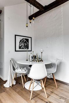 Small Modern Industrial Apartment Decoration Ideas – Decorating Ideas - Home Decor Ideas and Tips Small Room Design, Dining Room Design, Apartment Decoration, Industrial Apartment, Dining Room Inspiration, Interior Inspiration, Dining Room Lighting, Apartment Living, Attic Apartment