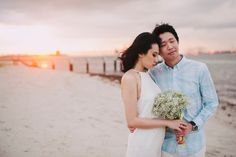 Sunset engagement shot at Punggol Beach, Singapore | Ryan and Jessica's Engagement Shoot by the Beach