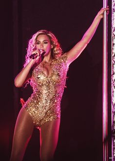 Beyoncé Mrs Carter Show World Tour 2013 Bodysuit Costume, Costume Dress, Female R&b Singers, Wedding Bodysuit, Pretty Hurts, Mrs Carter, Beyonce Knowles, Queen B